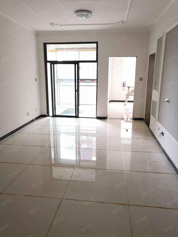 金色东方新装两房急租小区环境好周边安静有钥匙随时看