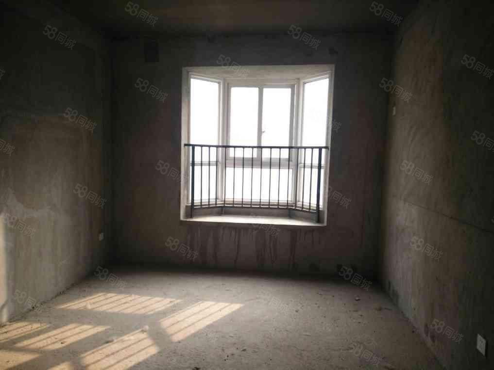 业主急售巴黎左岸西区ZUI美的一套房源三室两厅两卫