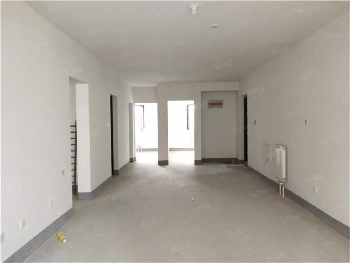 C21優選萬達華府16樓三室兩廳1125平110萬