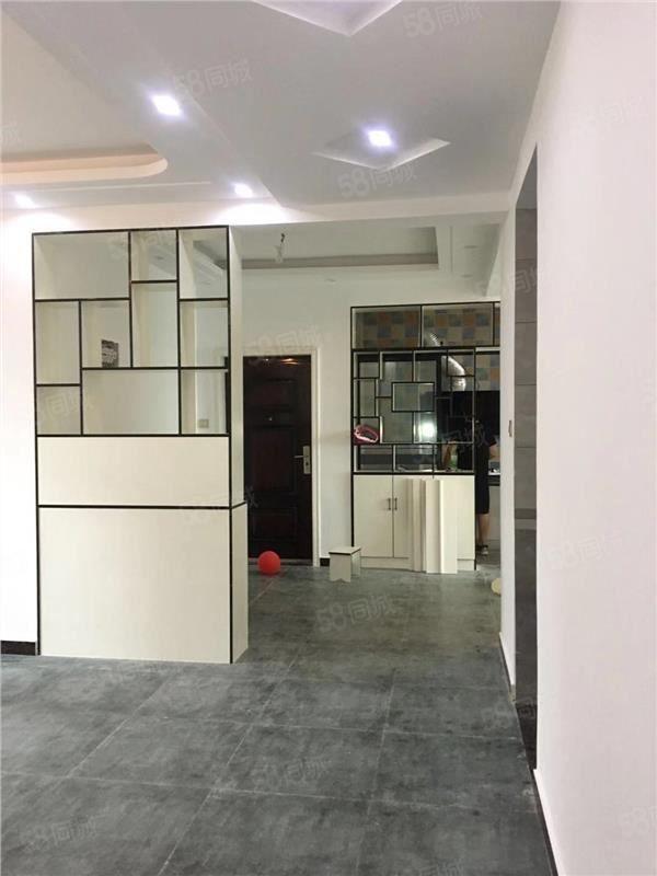 金色東方信苑初出租拎包入住小區環境很好隨時可看房