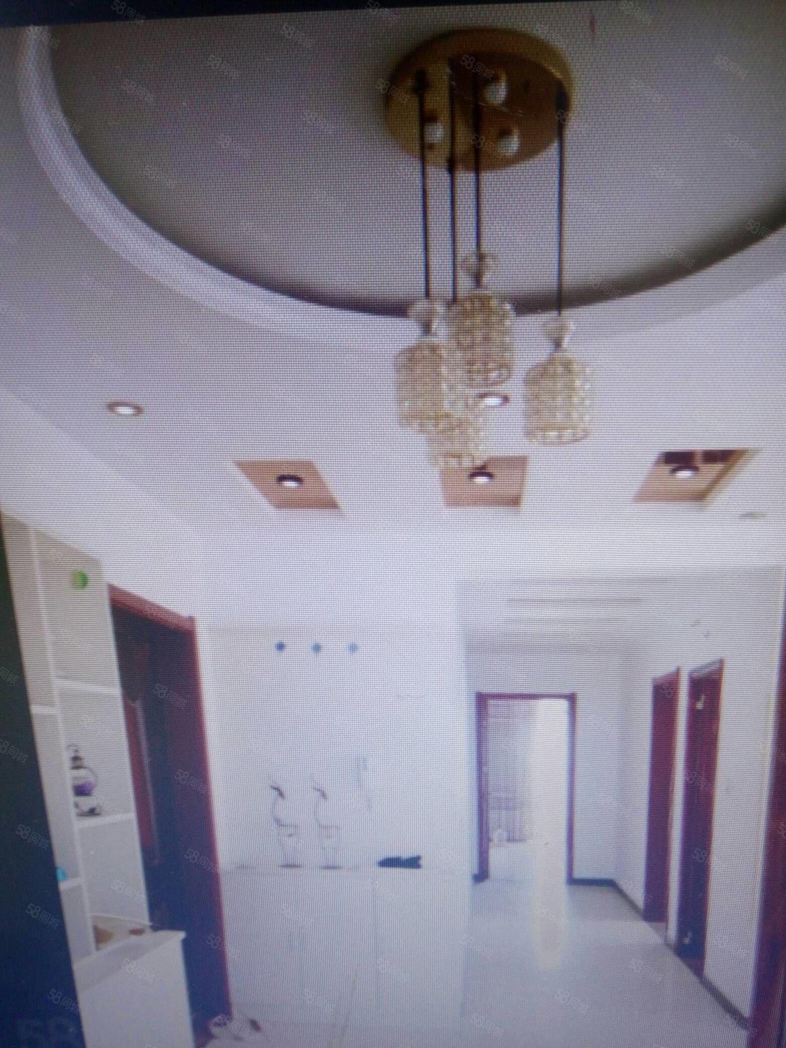 出售金方��城七小�^房3室精�b中�g��与�梯房