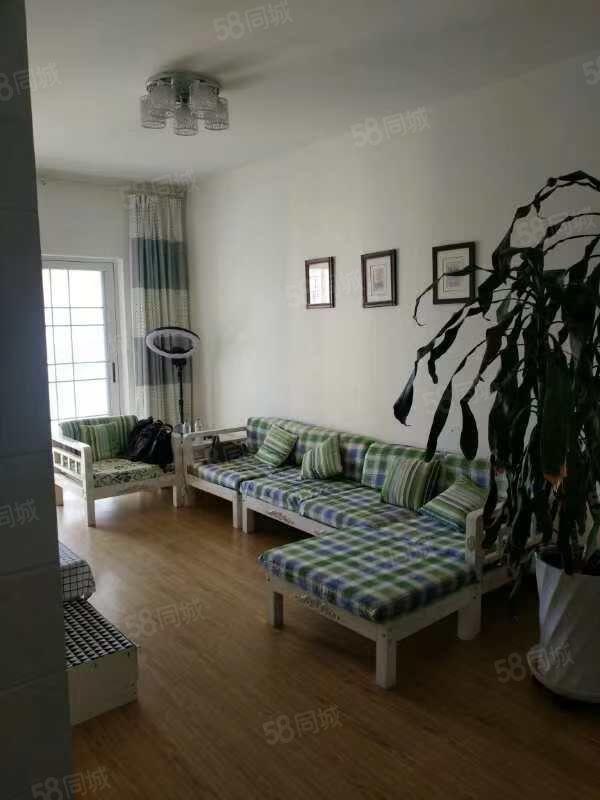 玉溪红塔区市中心小庙街旁极中心两室精装修靠近四中一小