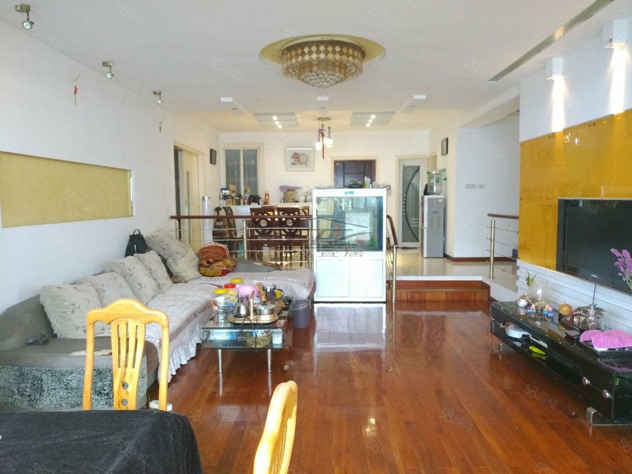 时代商汇精装4室2厅2卫关门卖三面采光卧室飘窗
