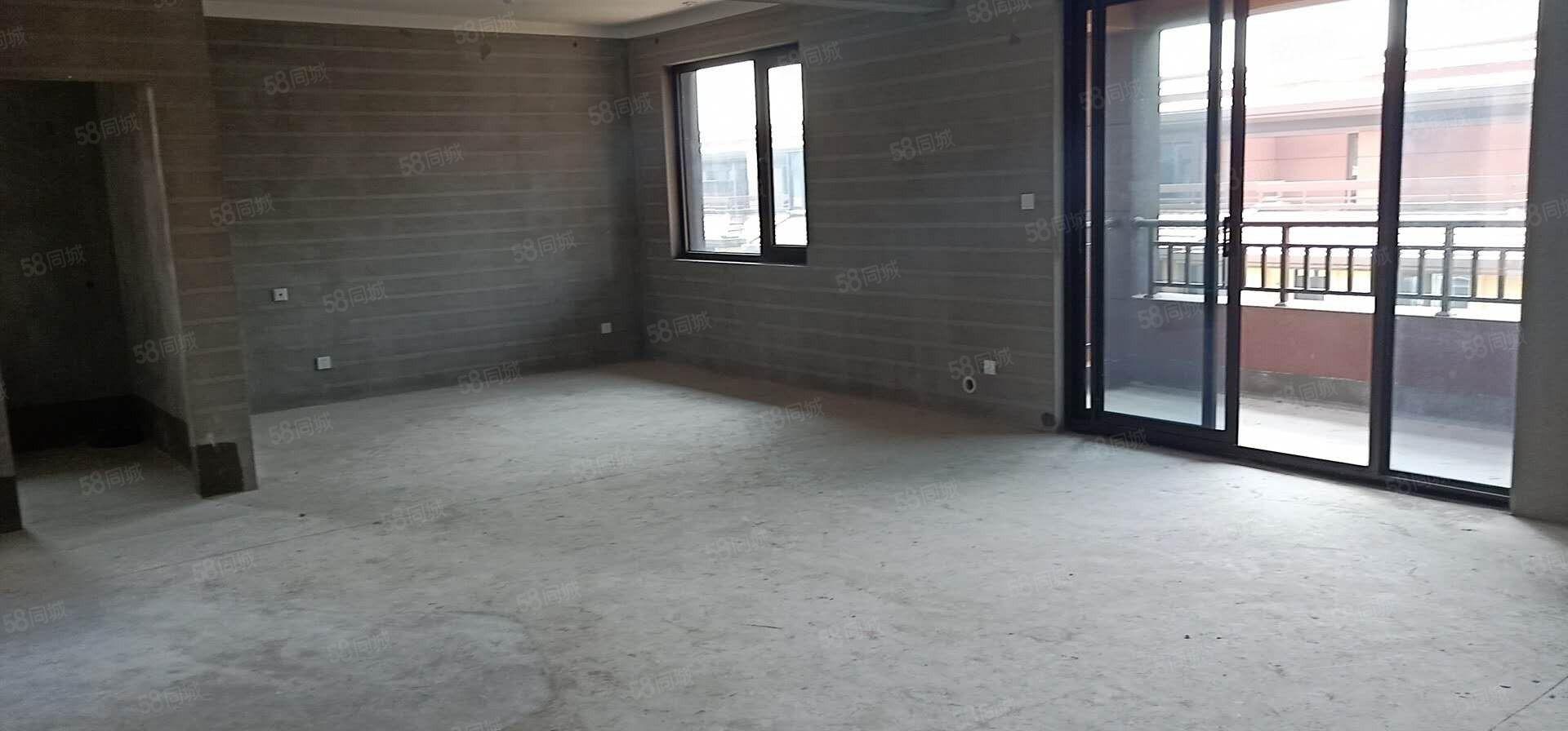 新房源南山郡89平方三室朝南多层带电梯送20平方露台