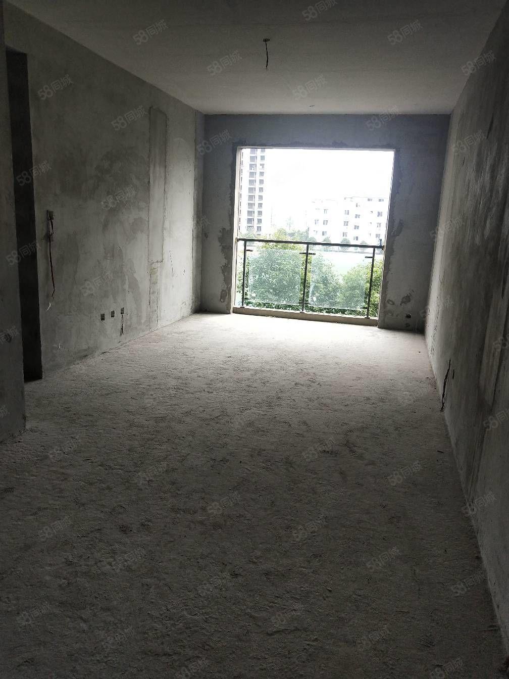 萬景二期三室兩廳兩衛朝中庭清水房源