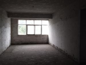 金太极附近,三室两厅一卫,南北通透,急售,有意来电.....