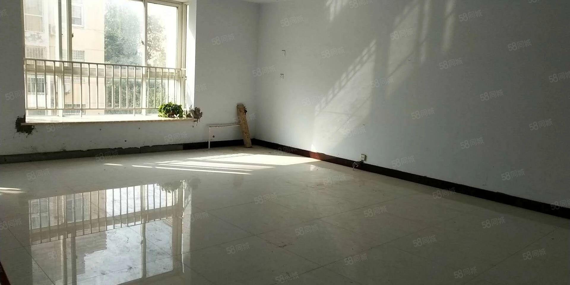 翠柳路北段3楼157平简装4房满五唯一首付27万