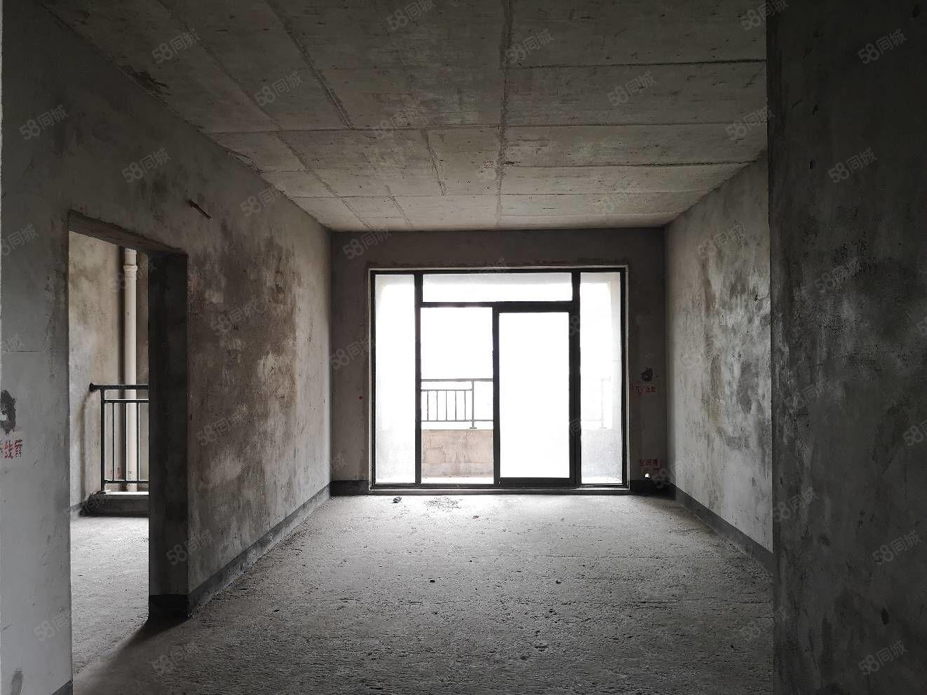观澜国际电梯小高层急售95万