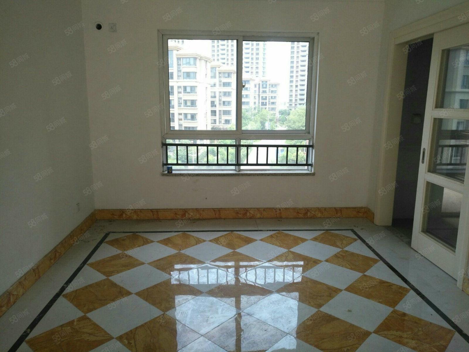 碧桂圆电梯洋房4房精装修有证可以按揭看房子方便南北通