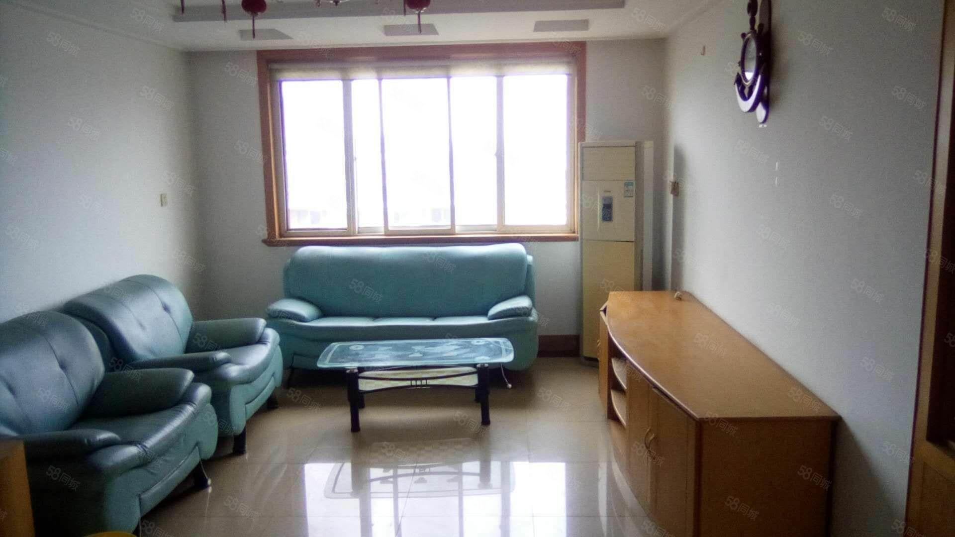 西园小区5楼,报价92万,3室2厅2卫,储藏室20平方。