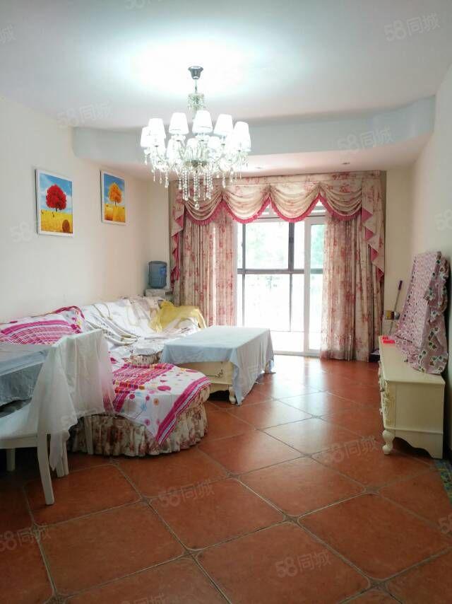 仙女山精装三房,装修好,采光好,小区环境好