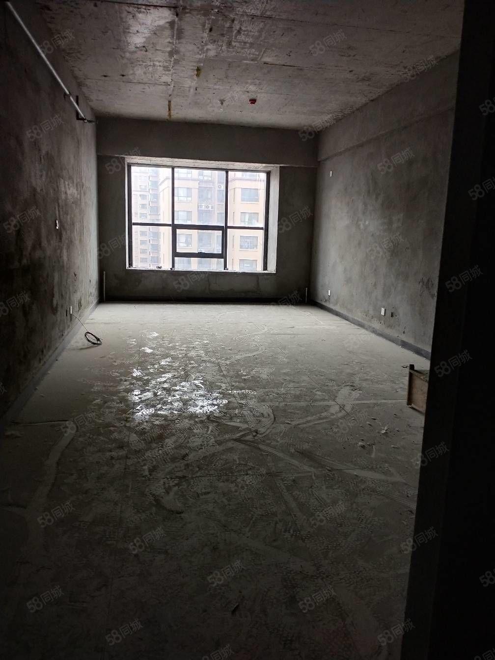 新天地公寓72平出售22.8�f毛坯一手合