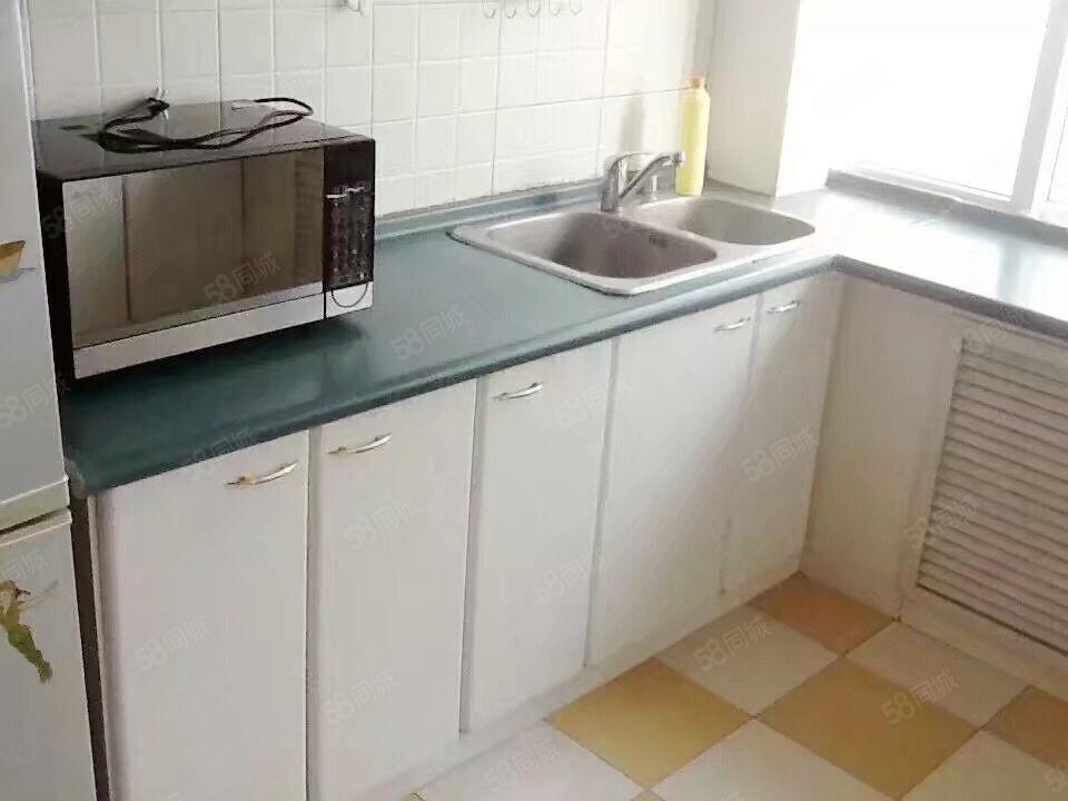 新区杨利伟附近4楼126.5平48万简单装修可贷款