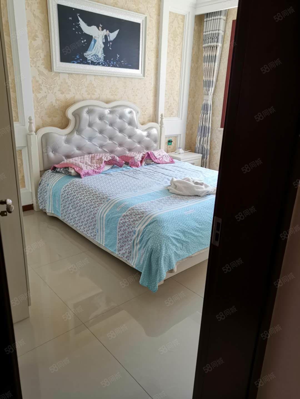 百合世嘉两室两厅82平精装修双阳卧抱阳厅