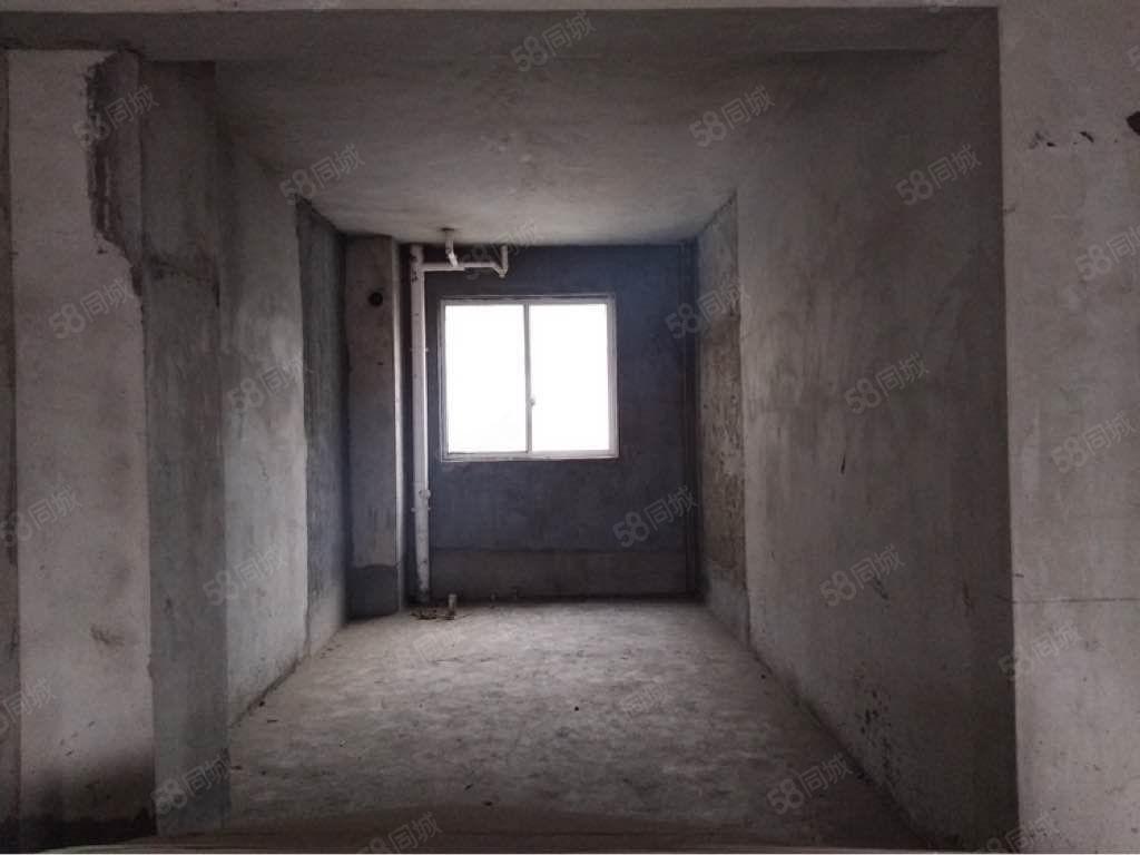 富丽半岛毛坯大4房2厅2卫接手就装修,可按揭