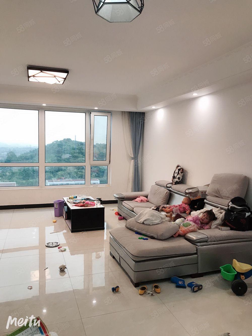 急卖!房东非常缺钱,168平精装修150万,可谈,12楼