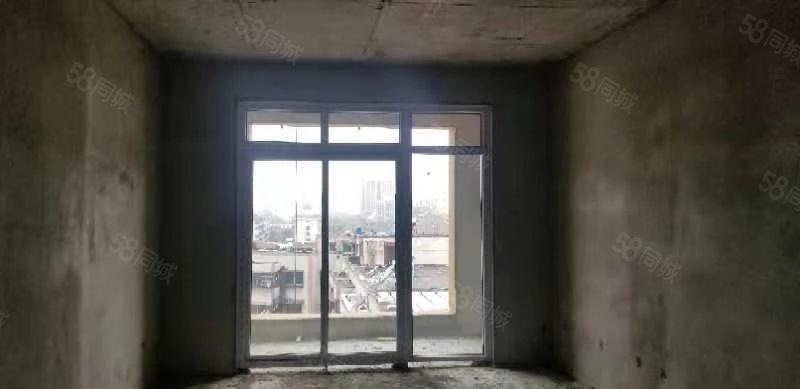 新铁路小区93平米两房,一手房,楼层可选,看房方便