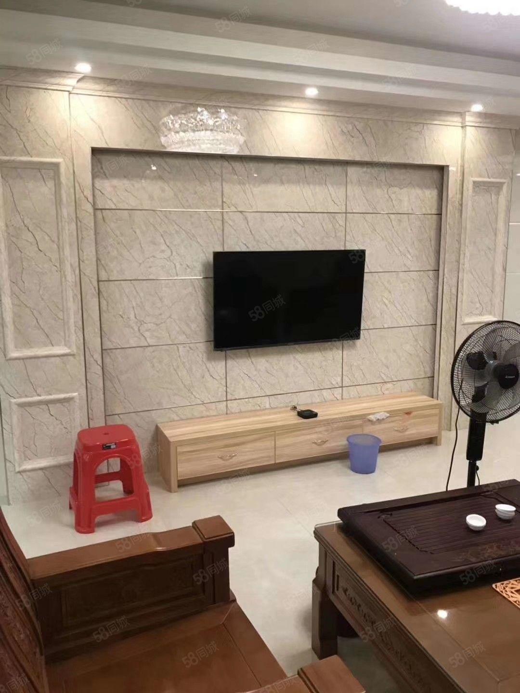 驷马桥小区套房出售,两证齐全,精装修,送家具家电可拎包入住。