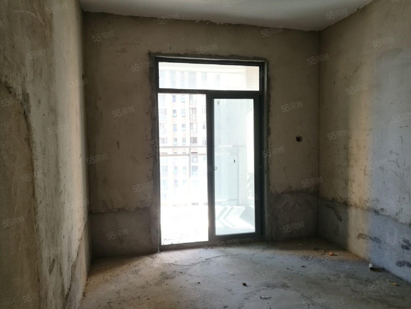 萬達旁星河天街,兩室,毛坯,證滿,中間樓層,性價比高