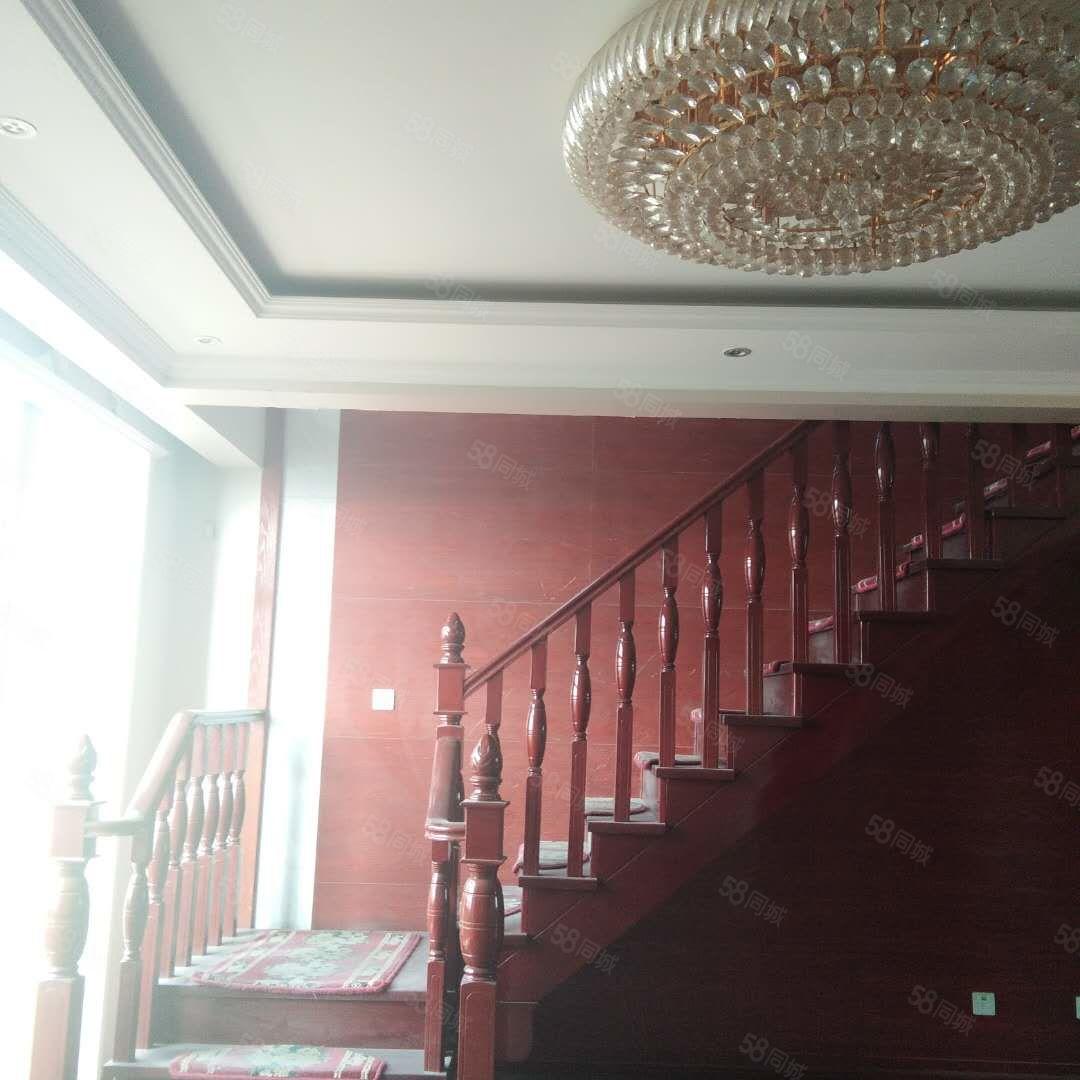 宝湖公园附近宝湖天下(宝湖海悦旁)观景房2层复式5室
