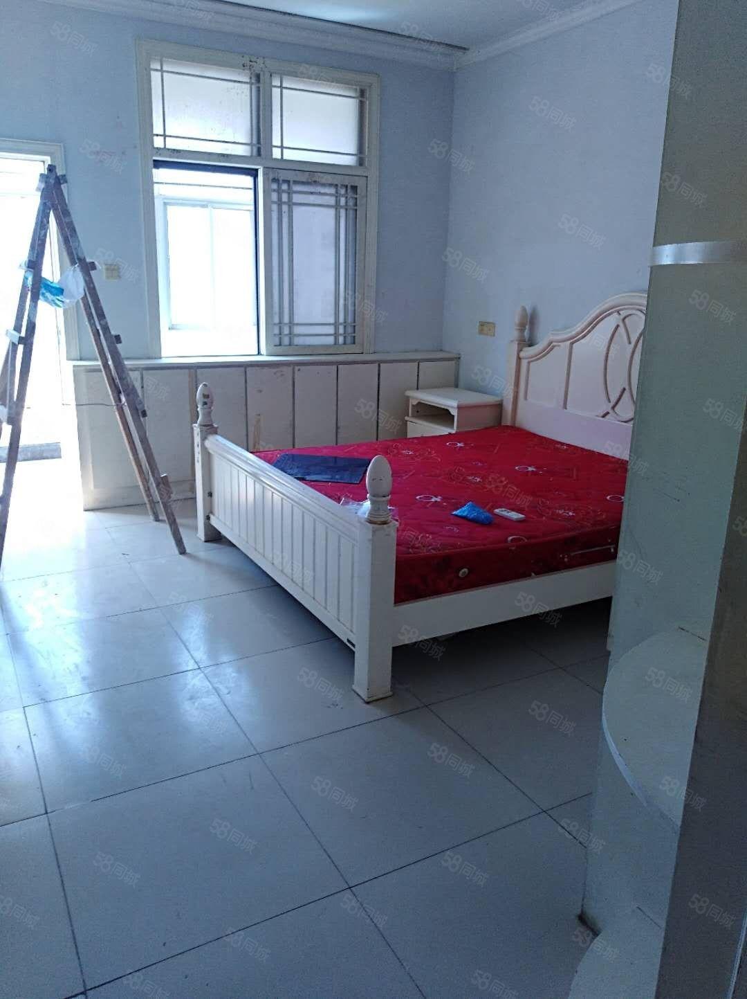 澳门星际官网中行家属院3室干净看房方便