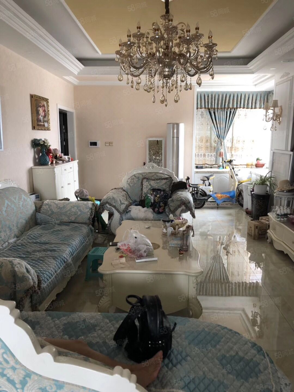 金泰王朝。豪装大两室。家具家电齐全,拎包入住,图片真实。