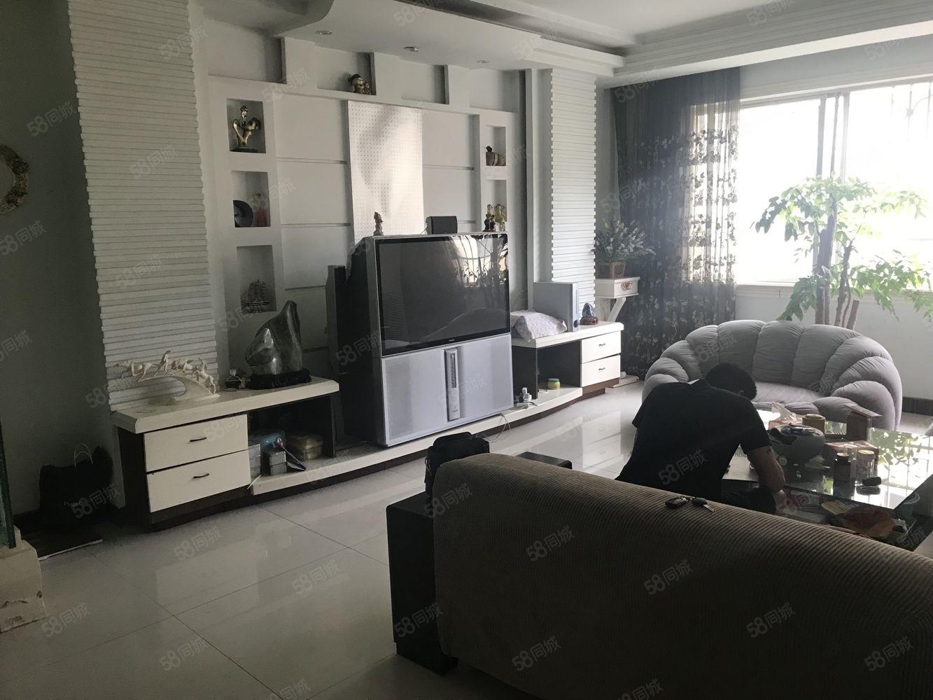 新时代A区低层带家具家电出售,3100?#40644;?>                                                                                     <span class=