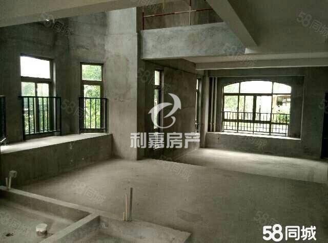 财富广场别墅社区前排无遮挡送70平私人花园送地下室