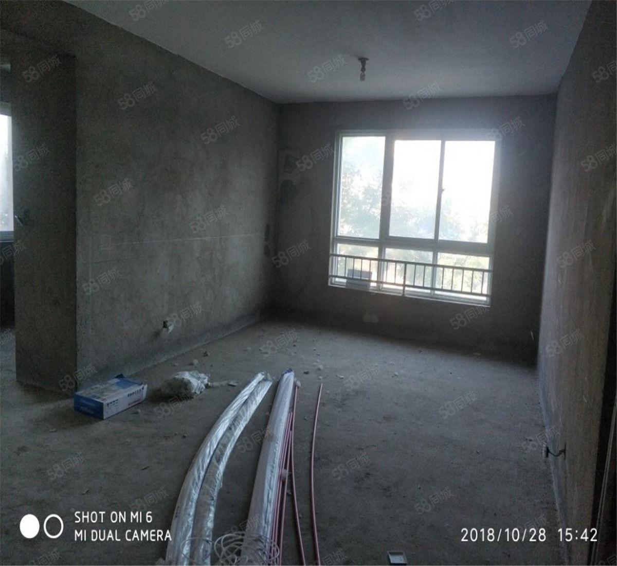 急售!现代城大三期电梯2楼143平大4室只要80万!!
