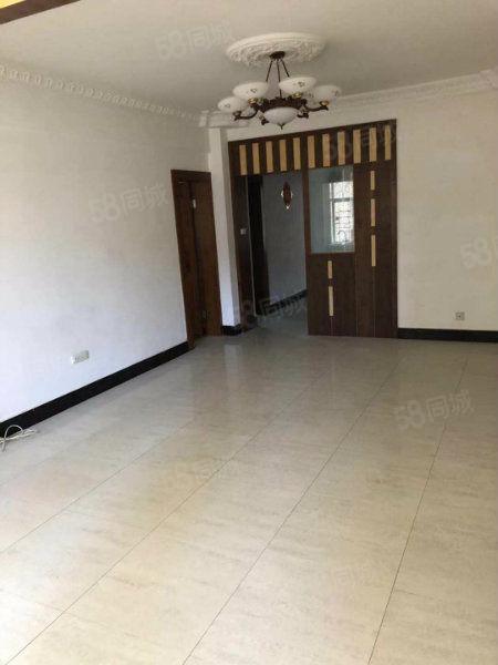 五一新村樓梯房二樓兩室兩廳一衛鑰匙在手隨時可看房
