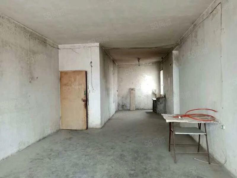 桃溪路口邮政小区毛坯三房标准户型支持按揭随时看房