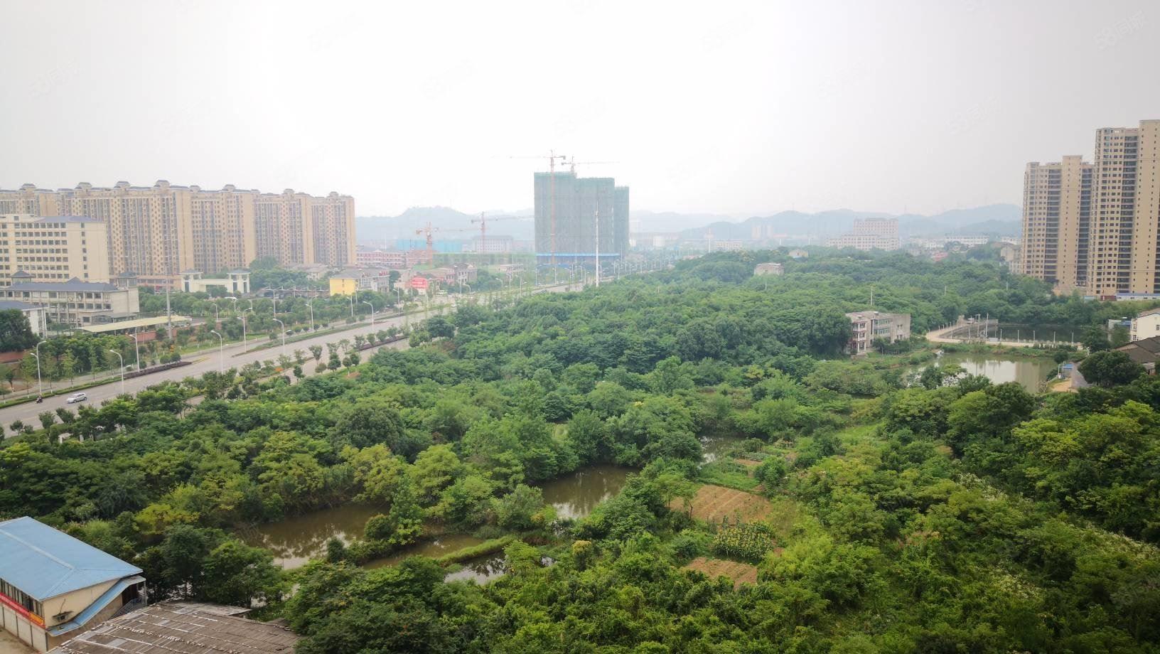 南北通透三阳台103平小三房!!融创隔壁,好户型。