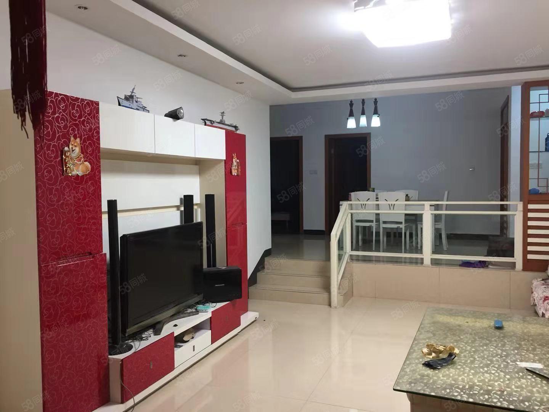 南门盛世锦城3室2厅,3个卧室都有空调