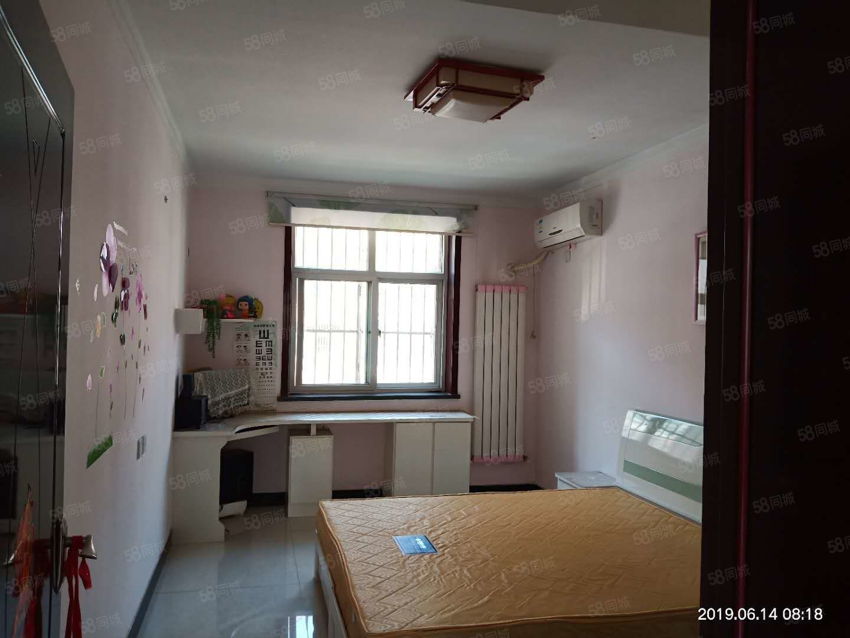 五福房产中介房源急租人民公园附近好楼层精装带家具家电