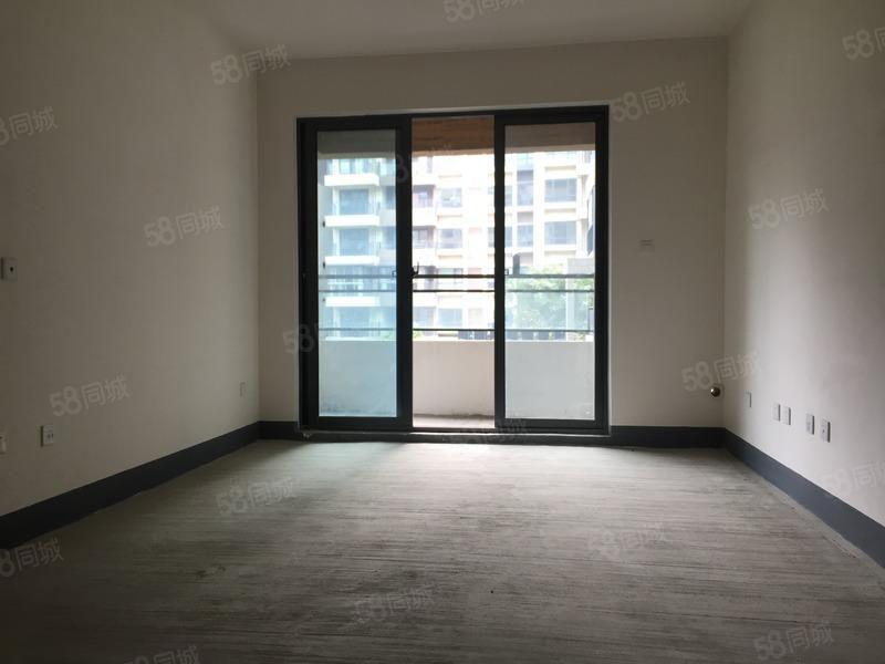 急售小高层电梯商品房对小区中庭采光好单价7400