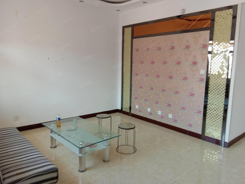万晟南区商品房三室精装修,带储藏间,赠送家具家电