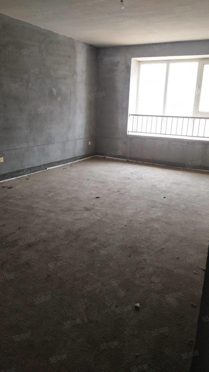 桃园新区中间楼层老房本