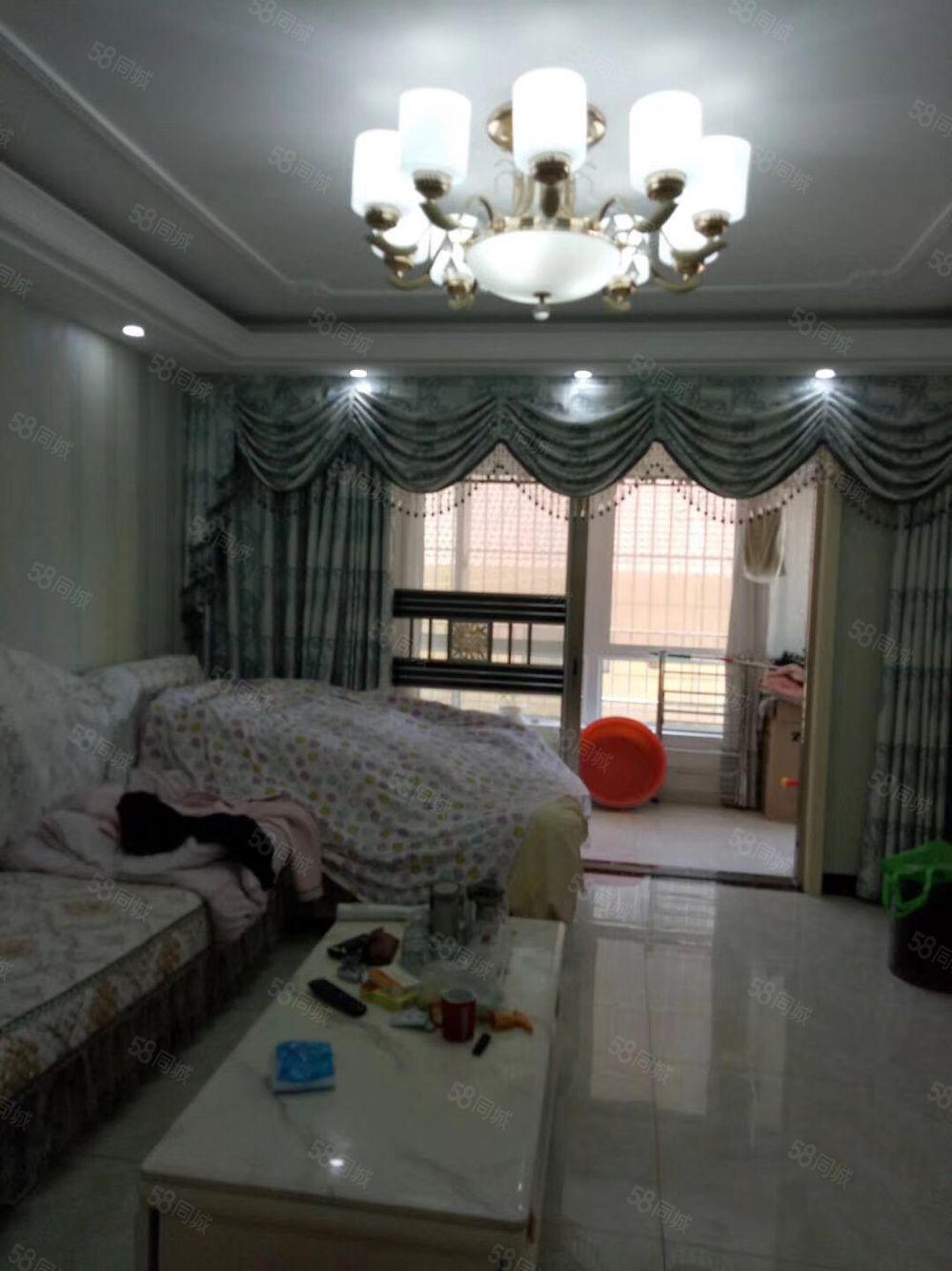 第一实验学校学,区悦龙城四居室豪华装修满两年