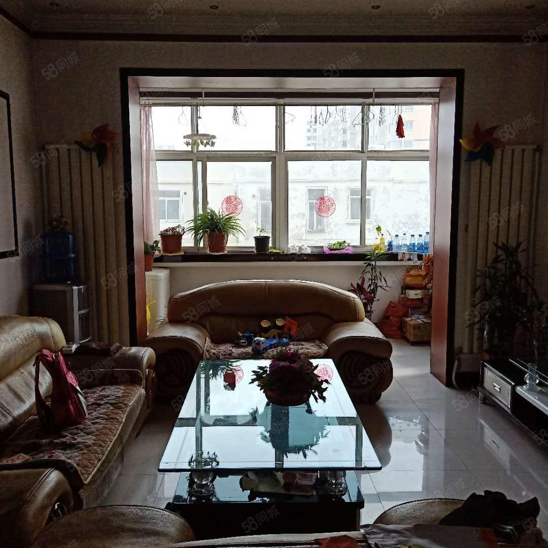 江夏名城精装小3室朝阳带家具可按揭急售
