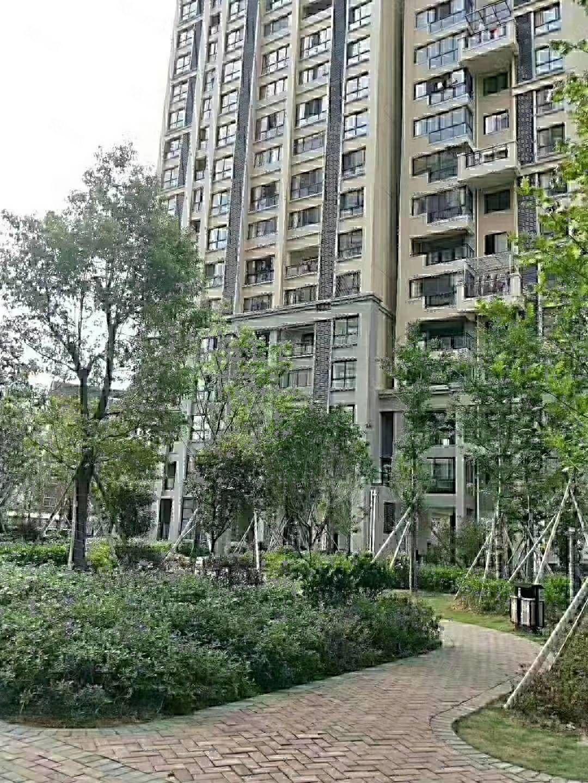 帝豪时代广场复式楼出售,两证齐全,毛坯房,可使用138平方米
