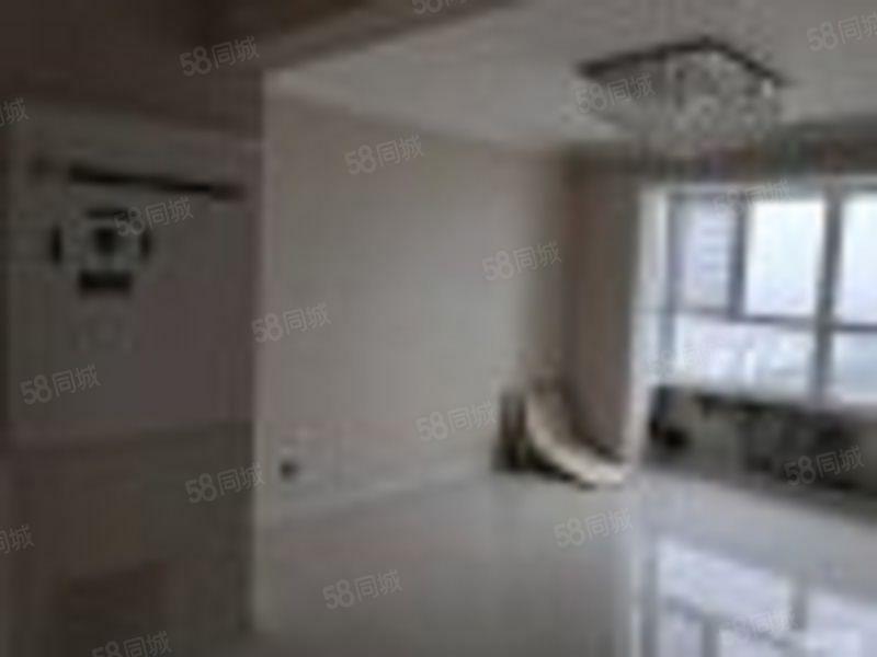 凤凰城B区,130平米大三室,家电家具齐全,月租2000元