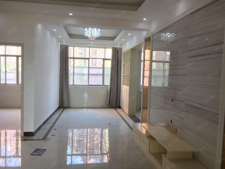 新建中心聚源市場旁全新裝修三房房間大光線好只賣九千九