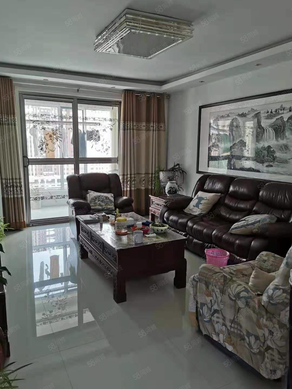出售金水岸10楼122平,3室2厅精装,双气开,有证可分期