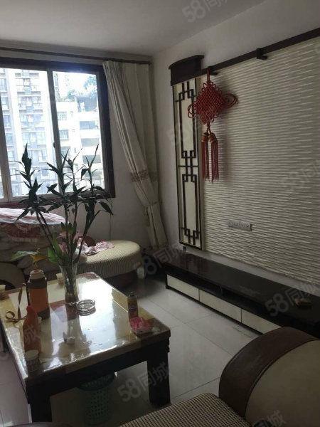 南江�h城中心大堂�闻R街精�b可按揭首付三成入住。