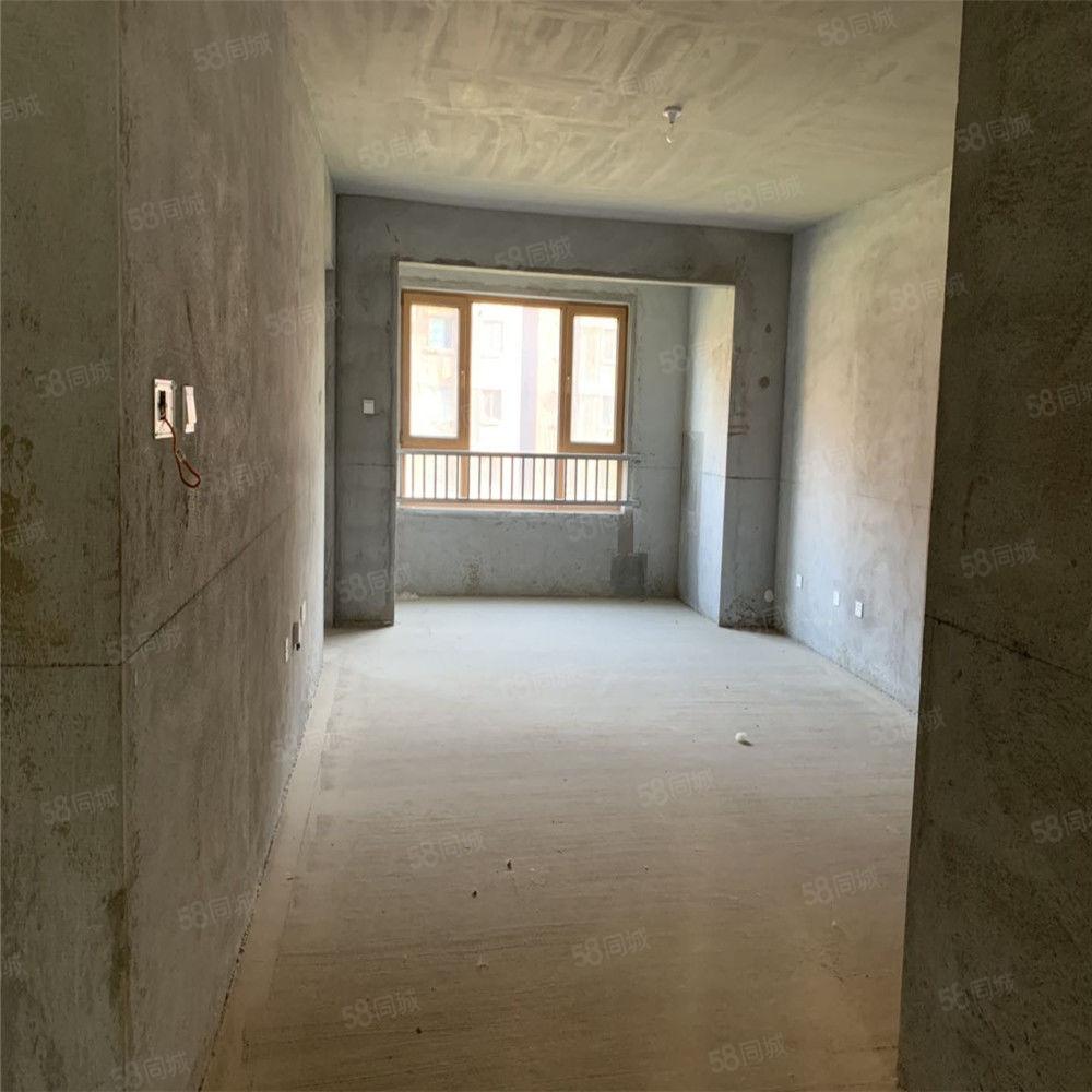 星河荣御二期电梯洋房130平米166万亲戚房