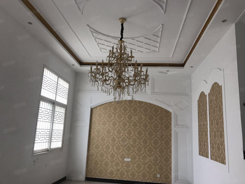 花样年华1楼复3楼,越式房,每个卧室都有空调,看房方便适合办
