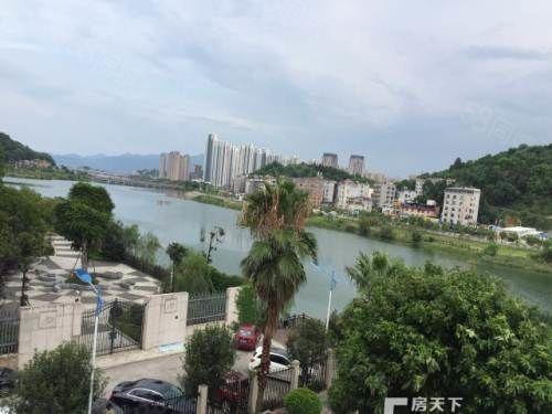 沿湖小区君裕东湖刚需电梯装修两房楼层好采光佳生活方便