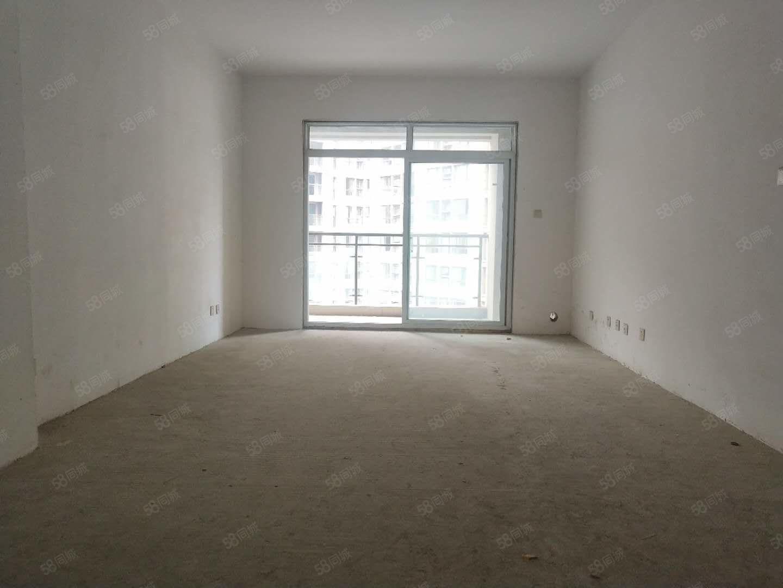 城西,三室純南戶型,電梯中間層,有證可按揭,僅售64萬!