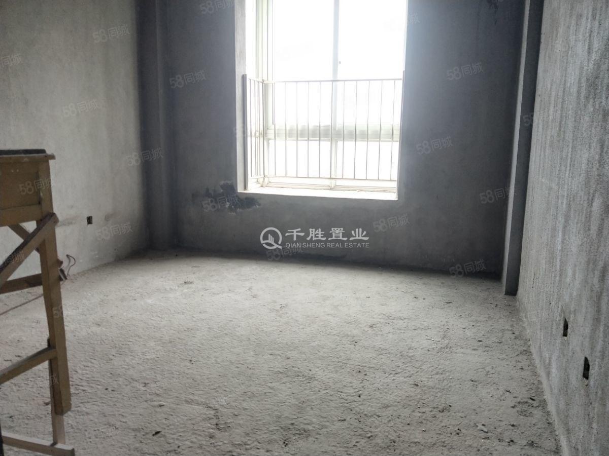 实验中学  鸿运星城毛坯复式  送大露台  前后无遮挡