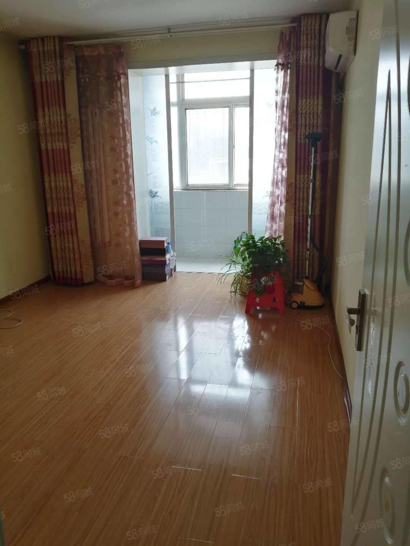 精装修适合各种落户楼层好位置优越可卖可出租